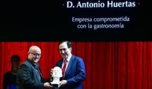 Antonio Huertas recibe un Premio Cubi por el proyecto S.O.S. Respira de Fundación MAPFRE para concienciar y evitar atragantamientos